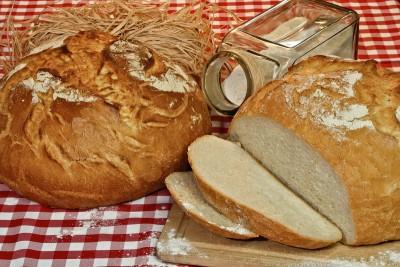 Kovászos-házi-kenyér-2-kg-1-kg